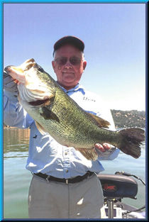 Lunker Larry 9 pound 3 ounce largemouth bass Clear Lake June 2014